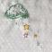 PLUIE D'ETOILESFond blanc / Broderie dominante Vert et Bleu ciel